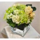 y14404 花藝設計 -小品盆花 - 四方高玻璃花器造型花藝